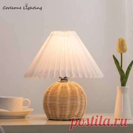 1765.05руб. 30% СКИДКА Винтажная плиссированная настольная лампа из ротанга, светодиодный настольный светильник для гостиной, стоящая лампа, лампа для учебы, прикроватная лампа, настольный декор, светильник, светильники Настольные лампы      АлиЭкспресс Покупай умнее, живи веселее! Aliexpress.com