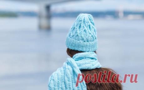 """Шапка Lotuses: описание вязания - Блог интернет-магазина """"Мир Вышивки"""" Мы уже делились с вами описаниями вязания разных шапок. Сегодня рассказываем о том, как сделать аксессуар с интересным принтом от RAINBOW BIRD. Для такой"""