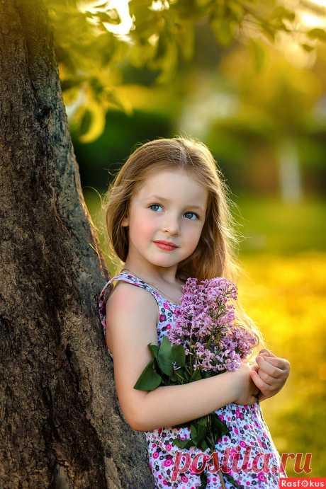 Фото: Сиреневое лето. Фотограф Ирина Михайлова. Детские фото - Фотосайт Расфокус.ру