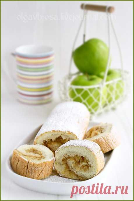 Бисквитный рулет с яблочной начинкой - Осиный домик