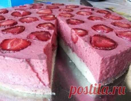 Торт Клубнично-творожно-йогуртовый