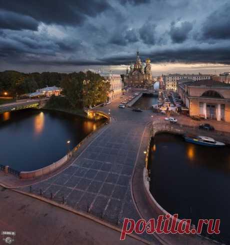 Собор Воскресения Христова, Мало-Конюшенный мост, канал Грибоедова Фото: Сергей Дегтярёв.