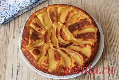 Вместо сырников готовлю на завтрак быстрый творожный пирог с яблоками на сковороде: и нет надобности всё время стоять у плиты   Я Готовлю...   Яндекс Дзен