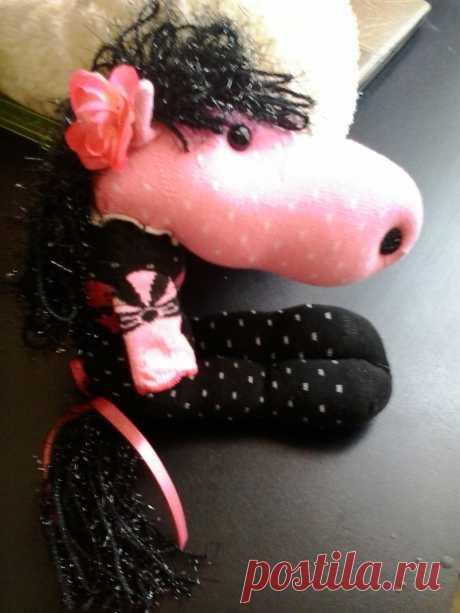 Лошадка из 2 носков