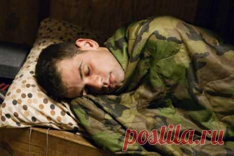 Засыпаю как солдат — секретная методика спецназа от бессонницы Техника быстрого засыпания от спецслужб: как спецназовцы засыпают за две минуты, при помощи какой техники дышат и почему на сон может хватить 15 минут.