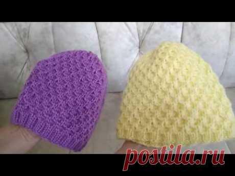 Видео-обзор моих бесшовных шапочек, связанных спицами по кругу узором вафельки