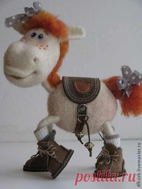 лошадка Аллочка - валяная игрушка,