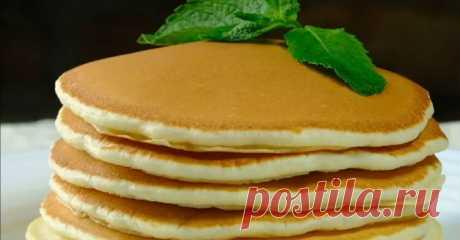 Панкейк или толстые блины на завтрак Ингредиенты: молоко — 300 мл, яйцо — 2 шт., сахар - 2 ст.л., сливочное масло — 60 г, ванильный экстракт, мука — 300 г, разрыхлитель — 1 ч.л.