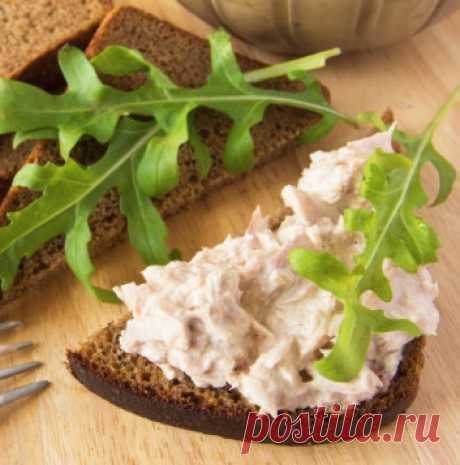 Селедочное масло Рецепт приготовления вкуснейшего селедочного масла в домашних условиях. Это действительно идеальная намазка для бутербродов, которую стоит попробовать хотя бы однажды.
