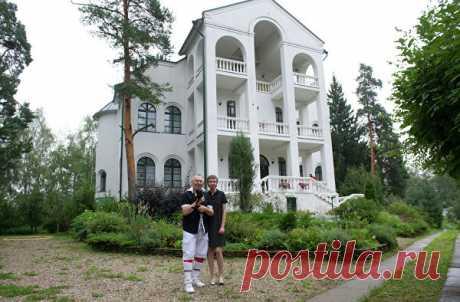 Где живёт модельер Вячеслав Зайцев: интерьер дома на фото
