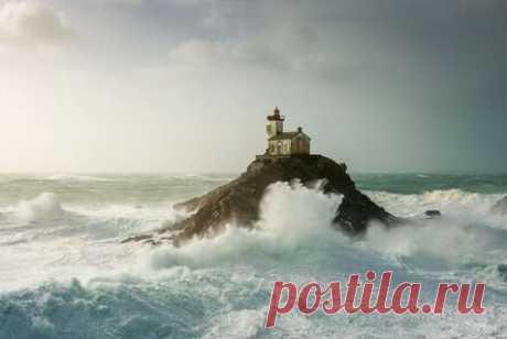 Фотографии маяков: магнетический свет, штормы и эпическое спокойствие (100 фото)