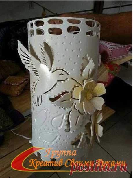 ¡Miren solamente que es posible hacer de los tubos de plástico por las manos! ¡Las ideas creativas!