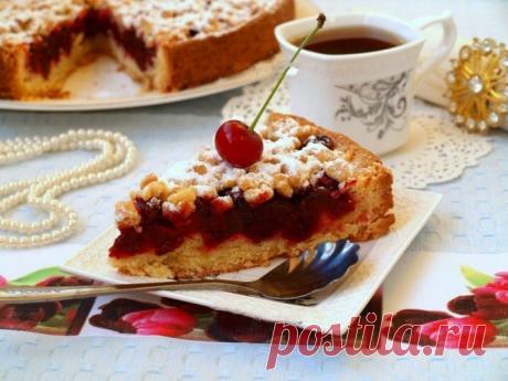 Песочный пирог с вишней — идеальное сочетание кисленькой начинки и сладкого теста