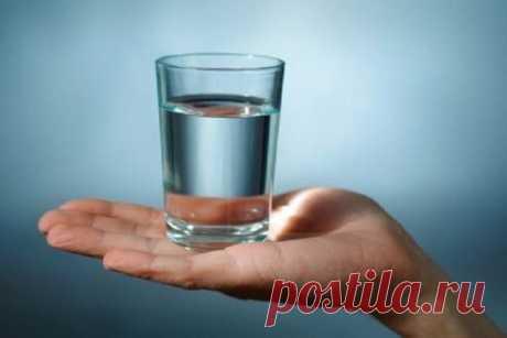 Стакан воды для исполнения желаний: техника Вадима Зеланда Стакан воды для исполнения желаний. Техника исполнения желаний Вадима Зеланда. Как правильно загадать желание, чтобы оно сбылось