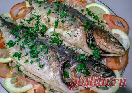 Рыба в сметанном соусе запеченная в духовке - пошаговый рецепт с фото. Автор рецепта Alexzandra Gorelova . - Cookpad