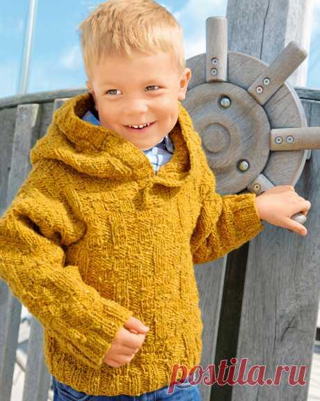Пуловер горчичного цвета с капюшоном - схема вязания спицами с описанием на Verena.ru