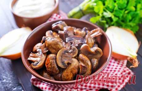Вкусные жареные шампиньоны: быстрые рецепты Вкусные жареные шампиньоны можно приготовить при помощи разных рецептов. Нами отобраны наиболее отменные варианты приготовления грибов.