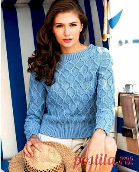 Голубой пуловер с узором из ромбов спицами — HandMade