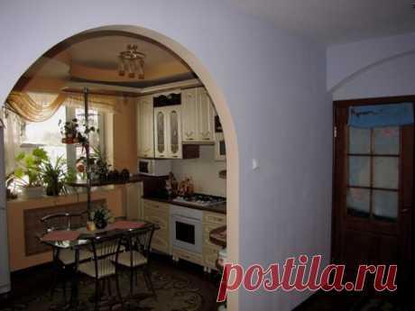 Жалюзи или шторка вместо двери на кухню - 6 вариантов двери без двери