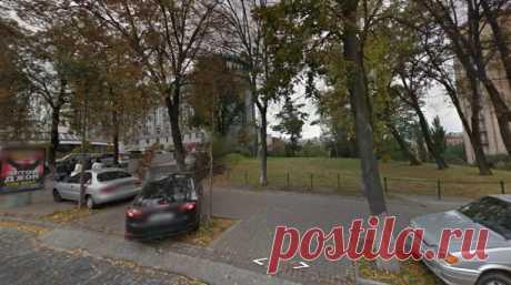 Вот сайт, на котором можно увидеть любой дом и улицу в любой точке мира - Ok'ейно Я свой дом отыскал сразу же, а вы ?