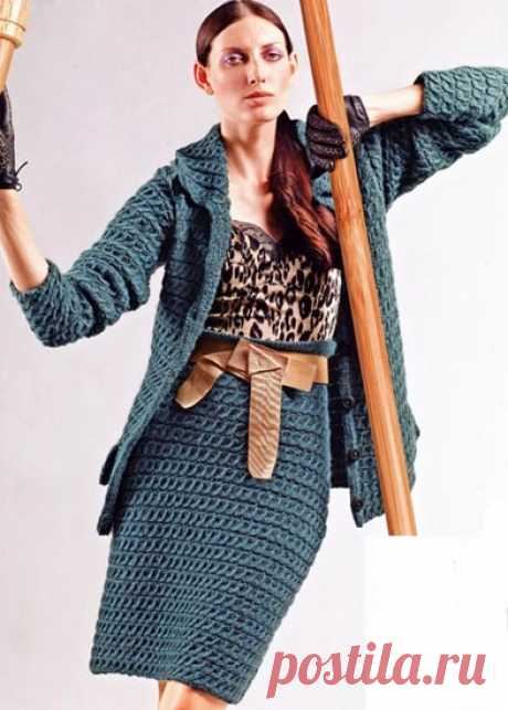 Костюм с юбкой карандаш. Модели для женщин, связанные спицами