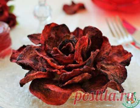 Роза из свекольных чипсов – кулинарный рецепт