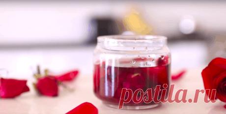 Не спешите выбрасывать завядшие розы, ведь из них можно сделать прекрасное розовое масло.