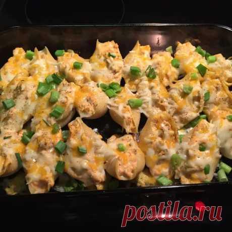Ракушки, фаршированные курицей и сыром - необычная закуска из простых макарон - ФотоРецепт - медиаплатформа МирТесен
