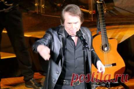 Испанский певец Рафаэль в Москве - 10 апреля 2019 года - P1097834 | Sovetika.ru - фото-блог