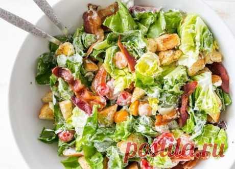 """""""Шустрый"""" салат с сухариkами  Салат с фасолью, кукурузой, сыром, солеными огурцами и сухариками - аппетитный и вкусный, с отличным сочетанием ингредиентов. Готовится салат за несколько минут и совсем просто! Выручит к неожиданному приходу гостей или когда совсем нет времени на приготовление еды. Сытно, восхитительно и проще простого.  Ингредиенты: Показать полностью…"""
