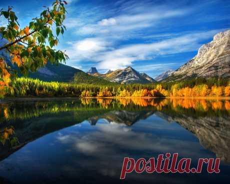 Картинки осень, пейзаж, perry hoag, канада, озеро, отражение, горы, скалы - обои 1280x1024, картинка №365129