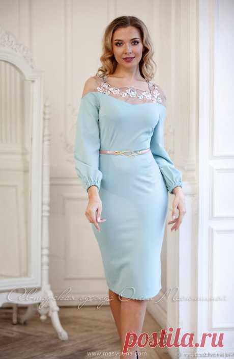 """Платье """"Душистая мята"""" Женственное платье -миди в приятном мятном цвете с французским кружевом с вышивкой! Сшито из вискозного джерси, приятного для кожи!Ремень как на фото представлен д"""