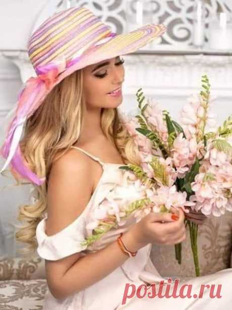 """.¸..♥.✿´´¯`•.¸⁀°♡   """"A woman with romance in her life  lived as grandly as a queen,  because her heart was treasured. .¸..♥.✿´´¯`•.¸⁀°♡   Nora Roberts"""