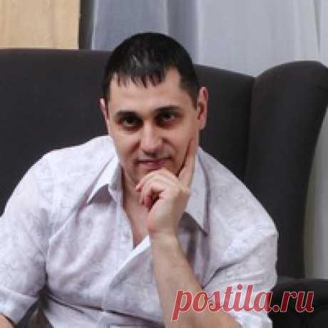 Александр Акопов