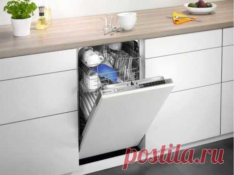 А можно поставить в маленькую кухню посудомойку, не вынося холодильник в коридор? Да! Расскажем как | Рекомендательная система Пульс Mail.ru