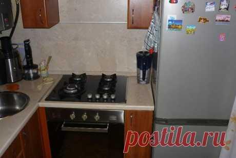 Холодильник и плита на кухне: можно ли ставить рядом?
