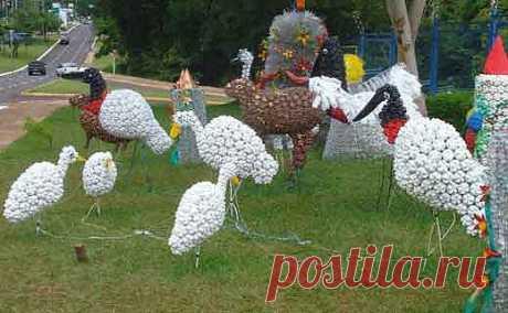 Птицы из пластиковых бутылок для дачи.