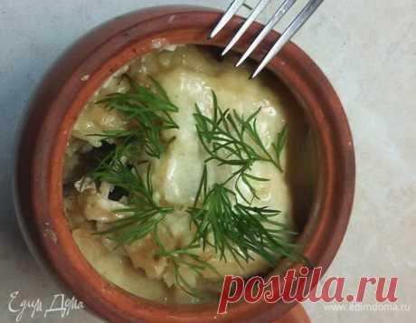 Драники, запеченные с грибами и мясом под сырным соусом. Ингредиенты: грибы, мясо, картофель