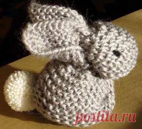 Como vincular simplemente al conejo de juguetes sobre los rayos - el esquema de la labor de punto por los rayos. Tejemos los Juguetes en Verena.ru