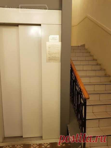 Снять комнату в 4-комнатной квартире 17м² по адресу Москва, Большая Садовая улица, 3с10 по цене 17 999 руб. в месяц на сайте 89295377786/89152224622