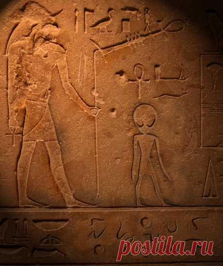 ancient_aliens_by_gyrfalcon65-d45icq2.jpg (Изображение JPEG, 818×976 пикселов)