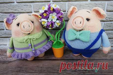 PDF Мини-пиги Даша и Аркаша. FREE amigurumi crochet pattern. Бесплатный мастер-класс, схема и описание для вязания игрушки амигуруми крючком. Вяжем игрушки своими руками! Свинка, поросенок, pig, piglet, piggy, свинья, поросёнок. #амигуруми #amigurumi #amigurumidoll #amigurumipattern #freepattern #freecrochetpatterns #crochetpattern #crochetdoll #crochettutorial #patternsforcrochet #вязание #вязаниекрючком #handmadedoll #рукоделие #ручнаяработа #pattern #tutorial #häkeln #amigurumis