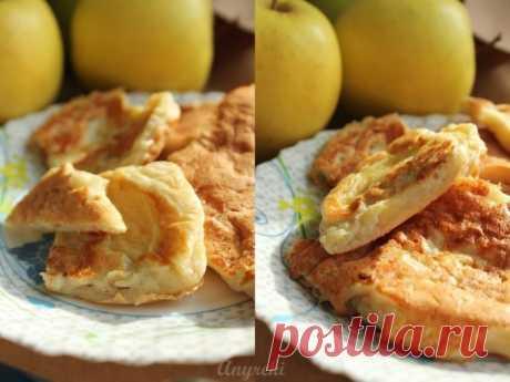 Волшебный воскресный завтрак — творожно-яблочные оладьи