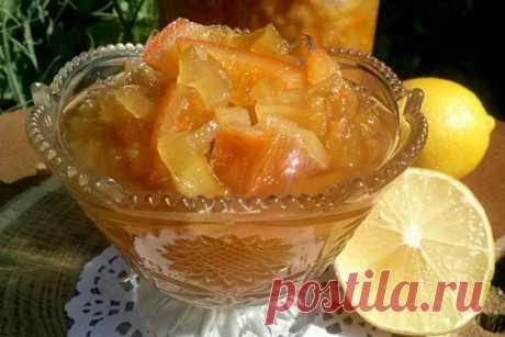 Варенье из кабачков с лимоном и апельсином - рецепты приготовления в мультиварке и обычным способом, видео Любители сладкого оценят рецепты варенья из кабачков с лимоном и апельсином. Неординарное сочетание ингредиентов в сладком шедевре неожиданно порадует. Вы начнете использовать этот набор составляющих каждый год при варке варенья.