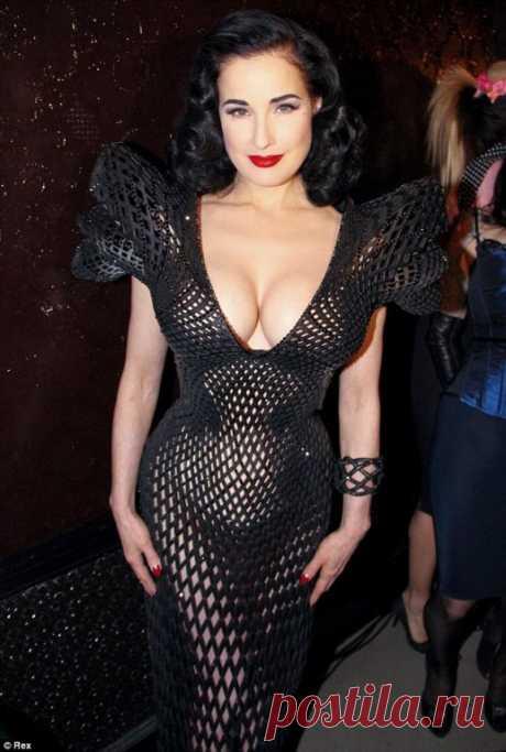 Dita Fon Tiz ha presentado 3D el vestido