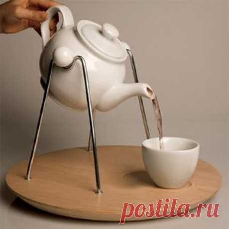 чайник на качелях