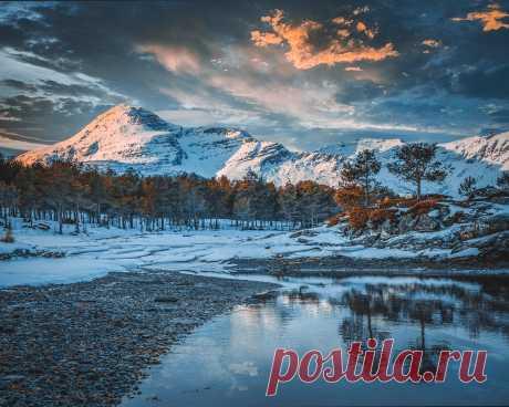 Картинки природа, зима, норвегия, озеро, лес, горы, облака - обои 1280x1024, картинка №381345