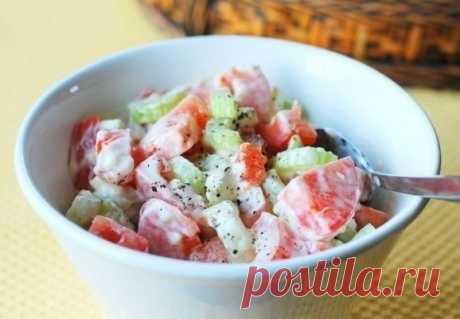 ¡Fácil veraniego salatik y solamente 20 kkal!