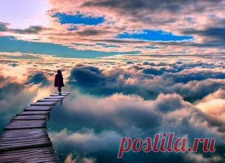 Cuatro principios de la espiritualidad \u000a\u000aNo hay ninguna diferencia, cree la persona en la espiritualidad o no. ¡Cuatro principios de la espiritualidad asisten ya en la vida cada uno del momento de su nacimiento, y lo acompañarán hasta el fin! \u000a\u000aEl primer principio dice: \u000a«Cada uno, con quién os encontráis en la vida, es necesario». \u000aEsto significa que nadie llega a nuestra vida casualmente. Cada persona alrededor de nosotros personifica algo, cualquiera, con quién cooperamos: nos estudia él a algo o ayuda ispravi...