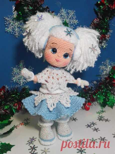 Кукла Снежинка.Снежинка. Вязаная игрушка. Вязаная кукла. Амигуруми. Амигуруми кукла #снежинка #девочкаснежинка #кукла #кукласнежинка #вязанаякукла #куколка #вязанаякуколка #амигуруми #амигуруми #амигурумикуколка #вязание #вязанаяигрушка #вязанаяигрушкакрючком #игрушка #игрушкакрючком #куклакрючком #вязанаяжизнь #игрушкасвоимируками #амигурумикрючком #амигурумикукла #мастерклассповязаниюкрючком #вязание #вашиработы #хвастики